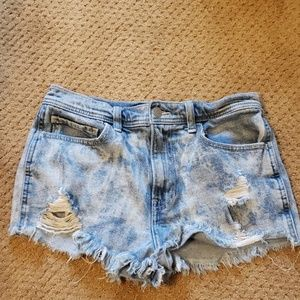High rise hollister jean shorts size 28
